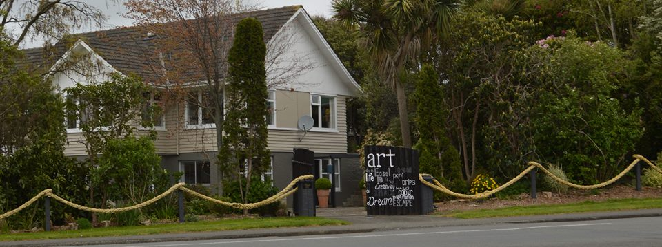 Artist studio and Bed & Breakfast., 202 Cambridge Street, Levin, Horowhenua , 5510, New Zealand