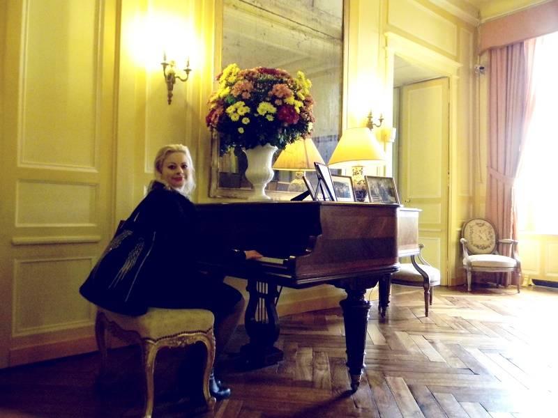 Sara's piano