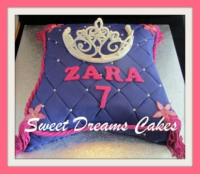 kussen met tiara taart