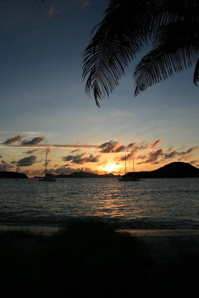 Zeilvakantie in het Caribisch gebied, de Carieb, Caribbean.  Meezeilen langs de Caribische eilanden als Martinique, St. Lucia, St. Vincent, de Grenadines en Grenada