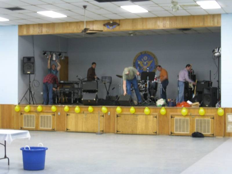 The band sets up
