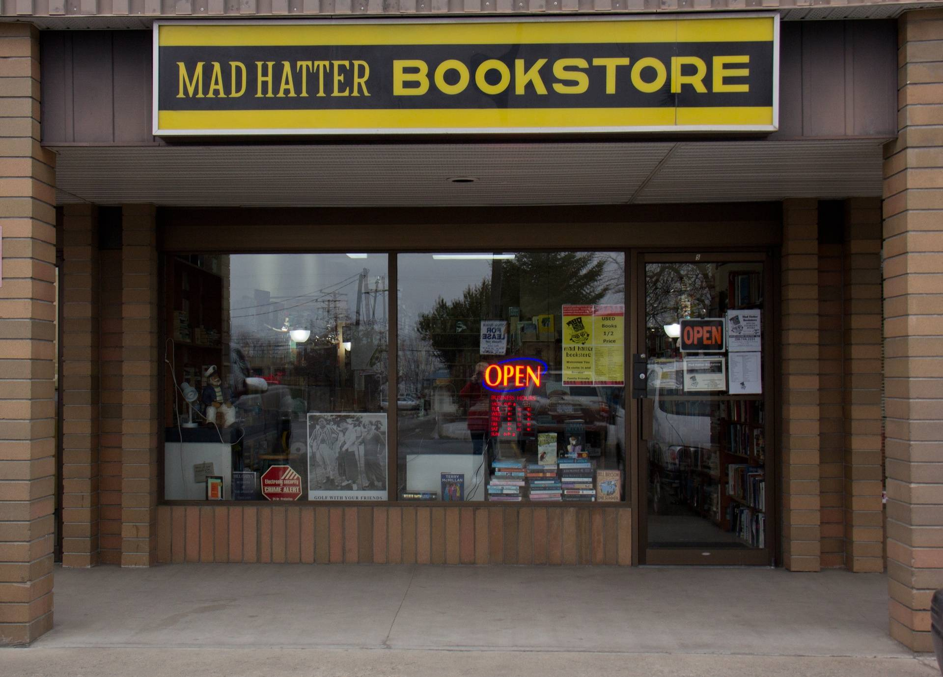 Mad Hatter Bookstore, #5 Plaza 97 South 2483 - Main Street, Westbank, British Columbia, V4T 2E8, CANADA