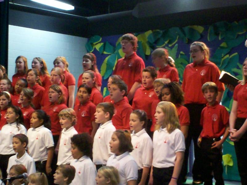 Concert & Apprentice Choir sing together