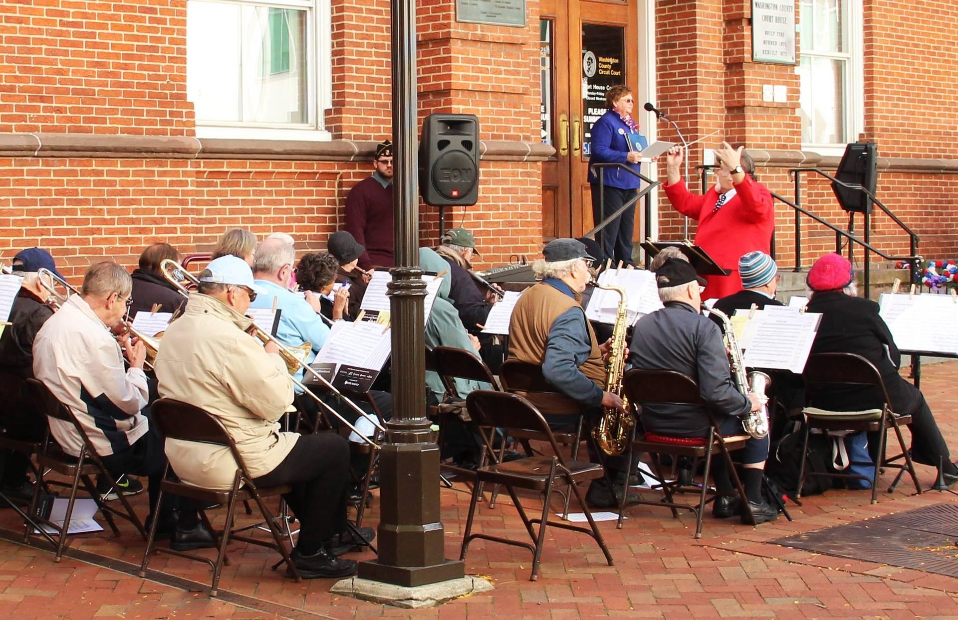 Band playing at Plaza