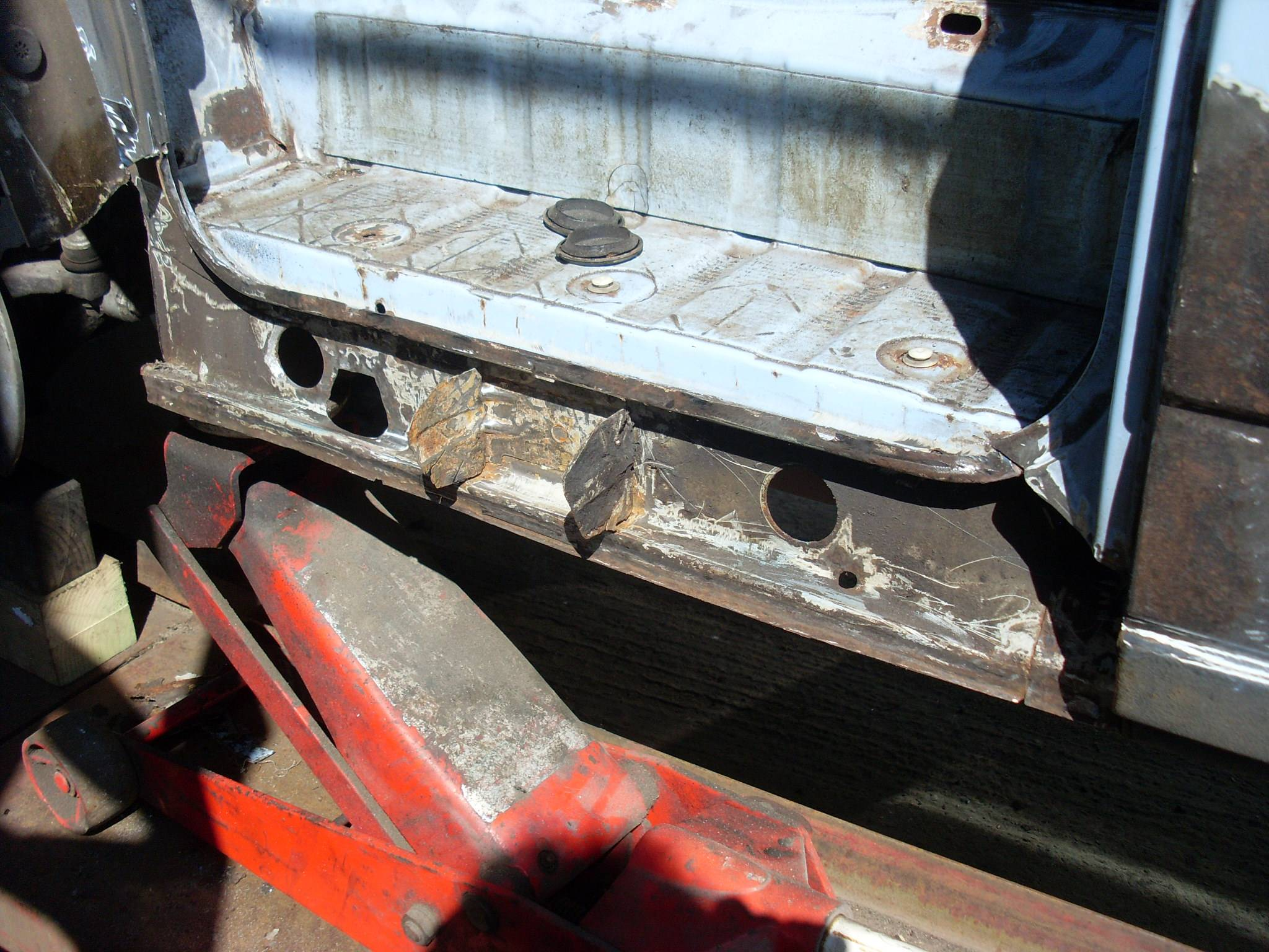 Nearside sill and arch