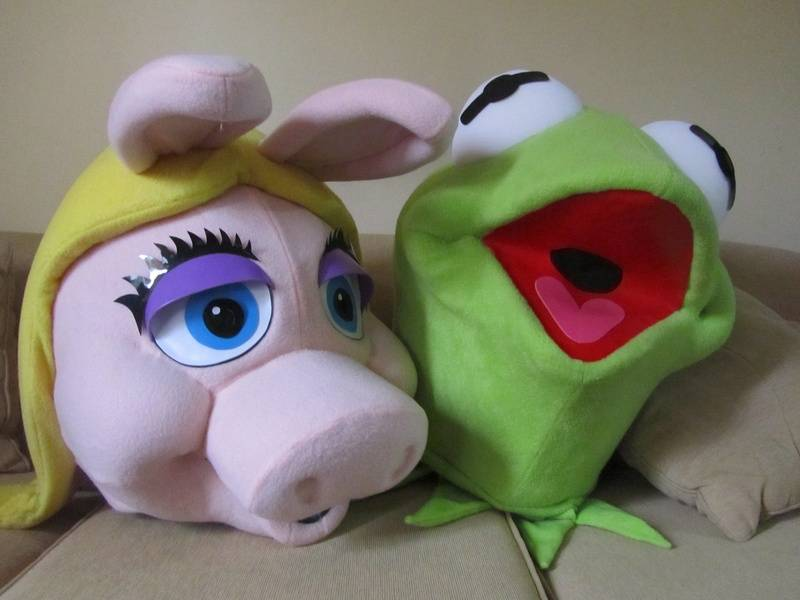 MISS PIGGY Y LA RANA RENE