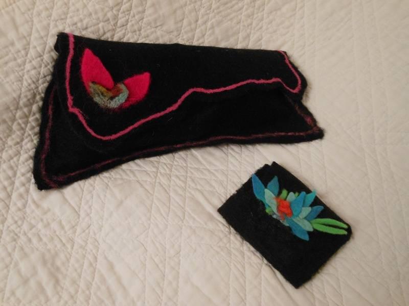 Scissor purse and needle purse