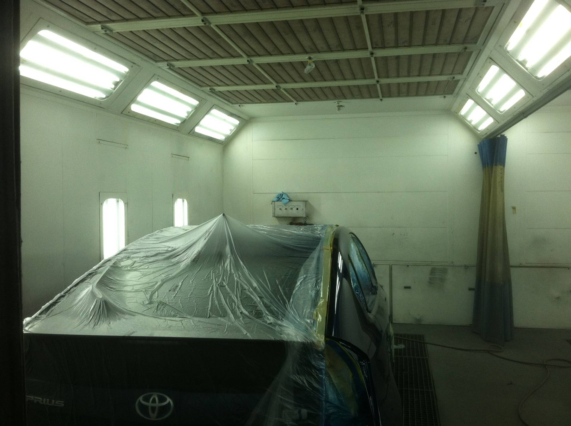 Servicing paint booth