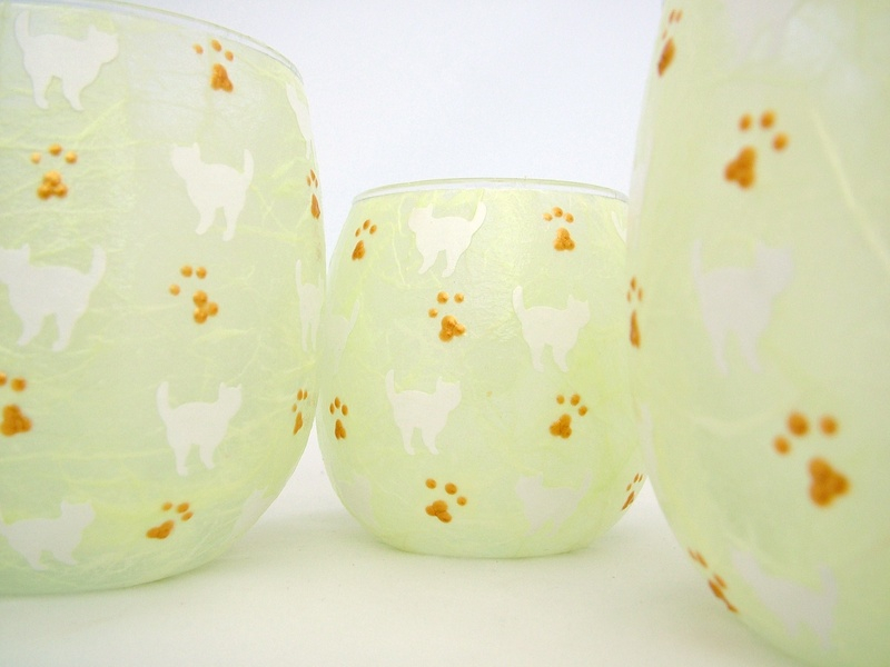 Apple Green and White Mussy Cats