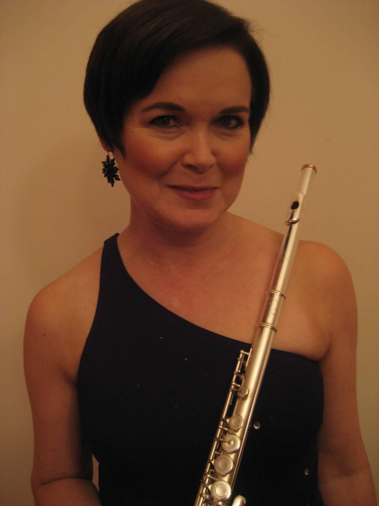 Lynne Bulmer, Flute