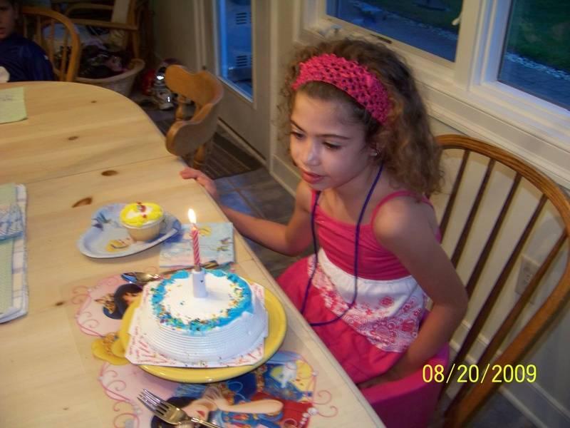 Ice cream cake and cupcake