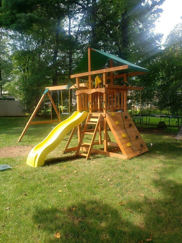 Gorilla playsets outing assembly in middleburg Virginia