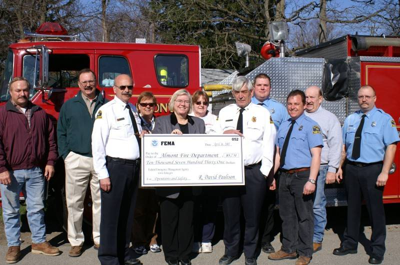 Candace Miller presents grant to AFD