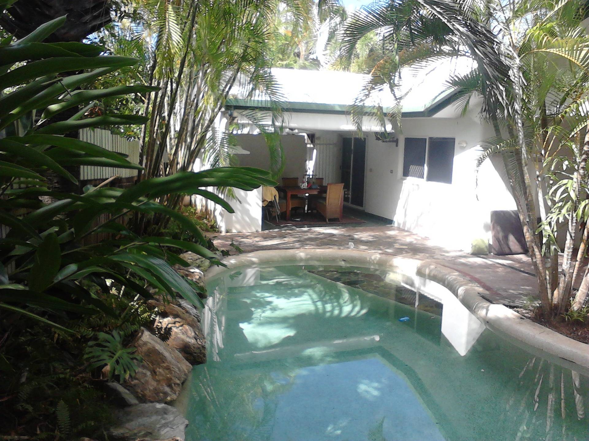 Back Pool Aera After