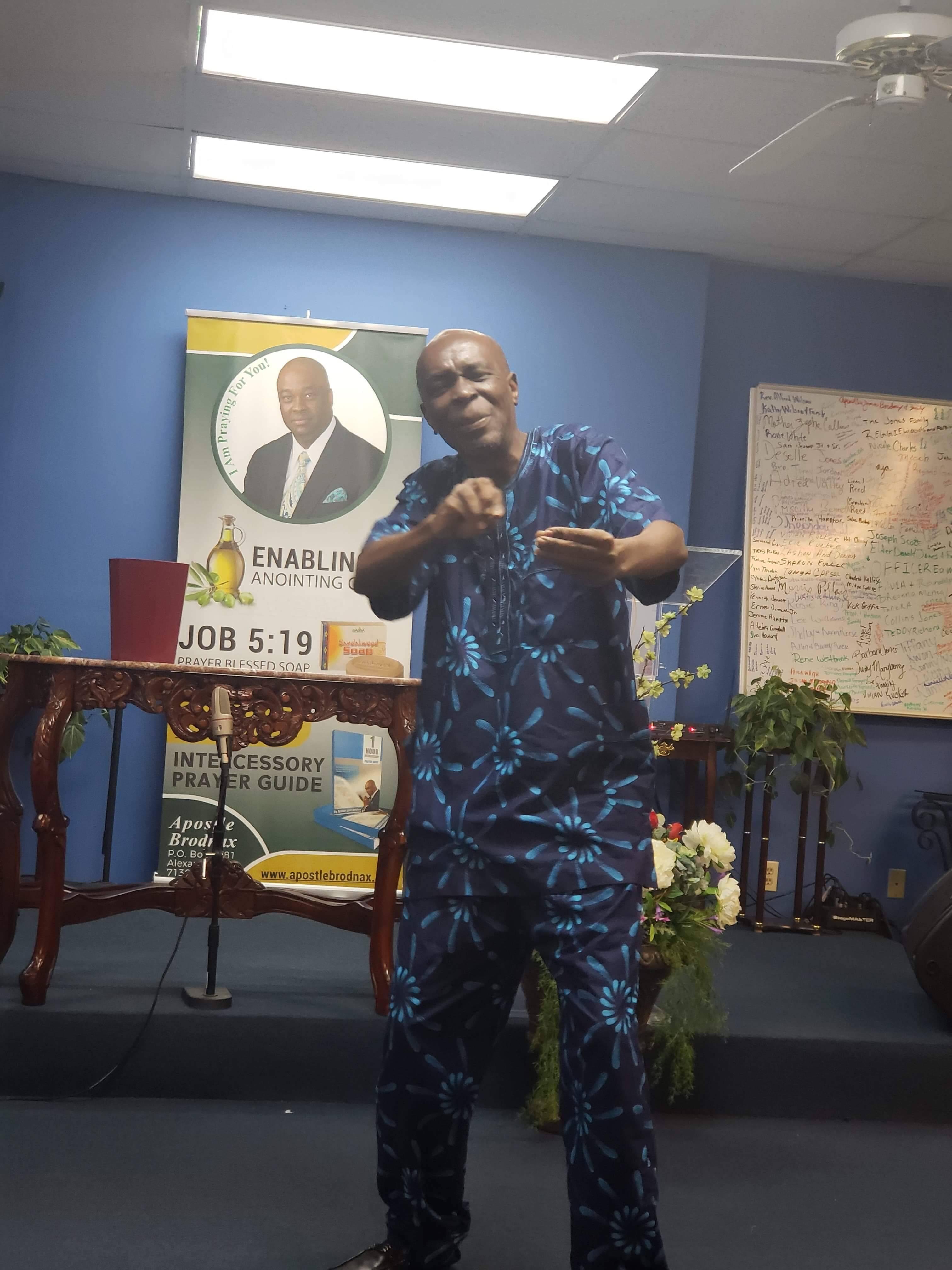 APOSTLE CLEM MINISTRING