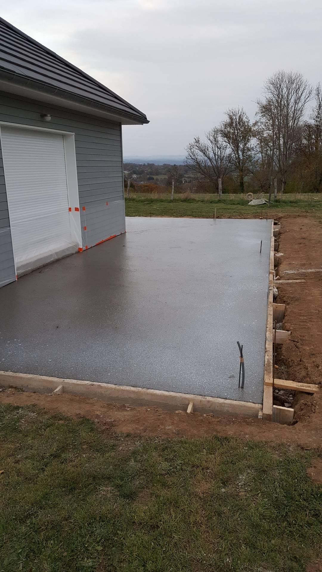 terrasse en ciment coloré gris foncé - 2