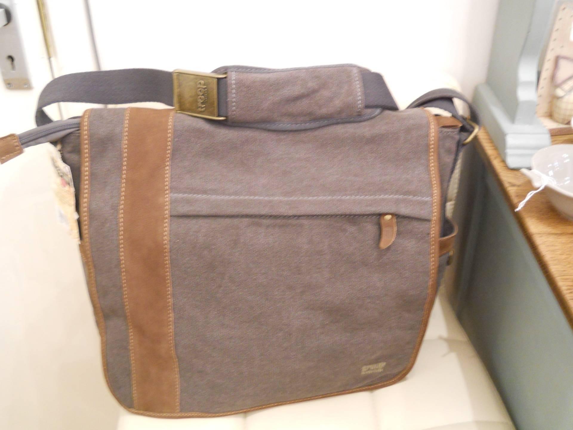 Laptop bag by Troop