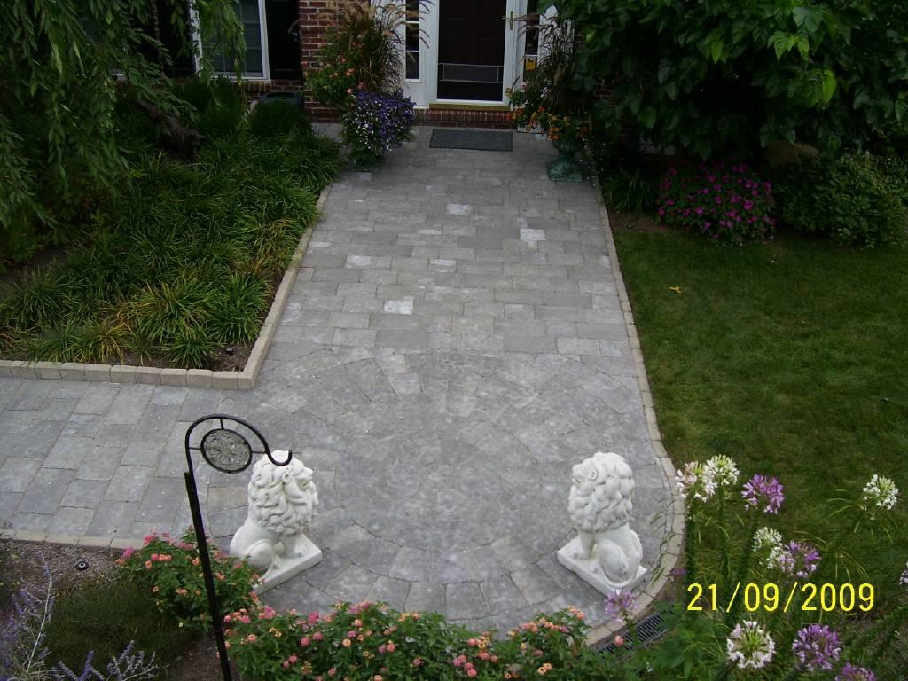 Paver Walkway with Circle Kit