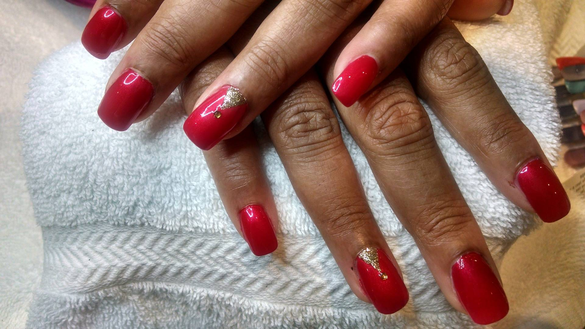 Gold Highlights on Frosted Red