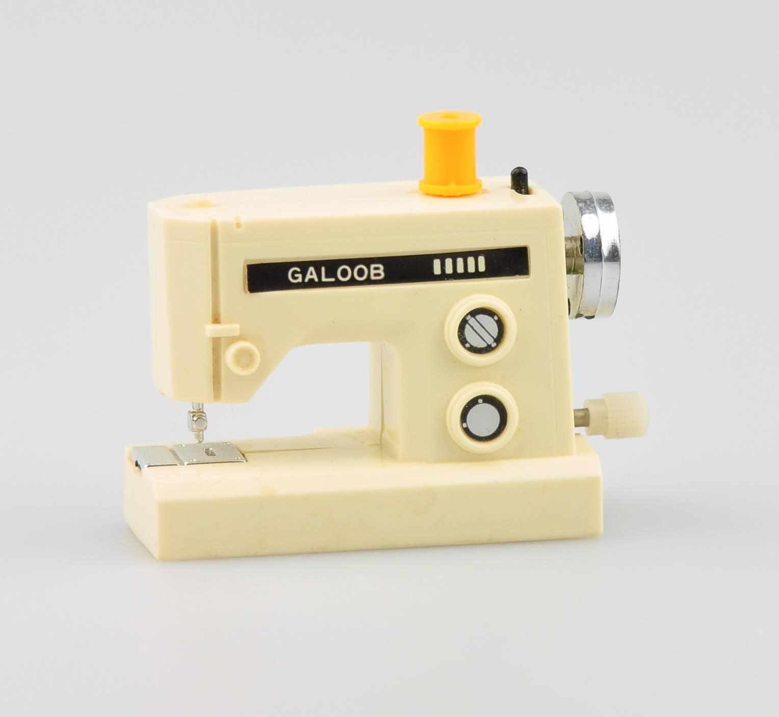 Working Wonders - Sewing Machine