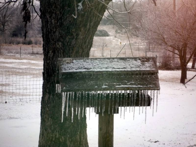 Icicle jail