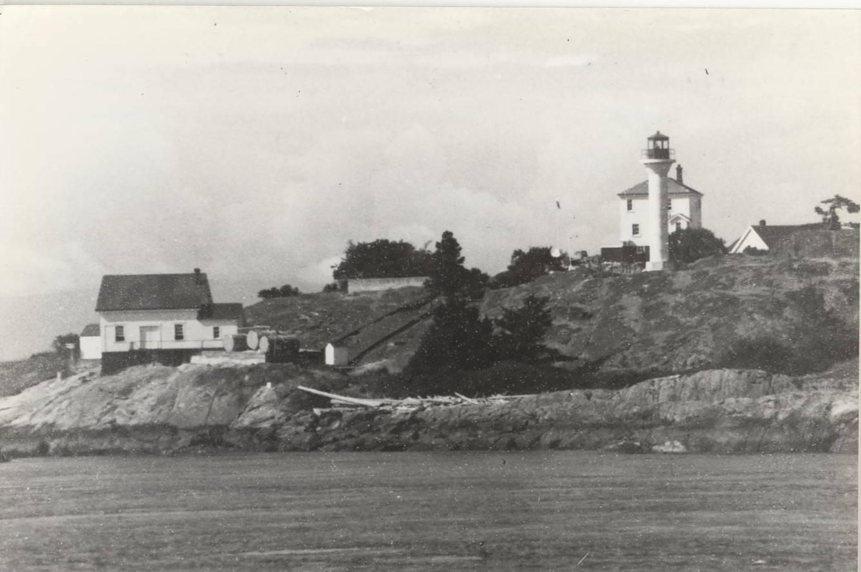 Discovery Island Light station