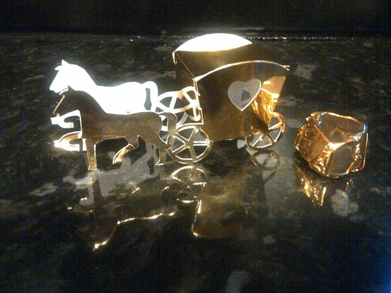 Horse and carrage wedding favour