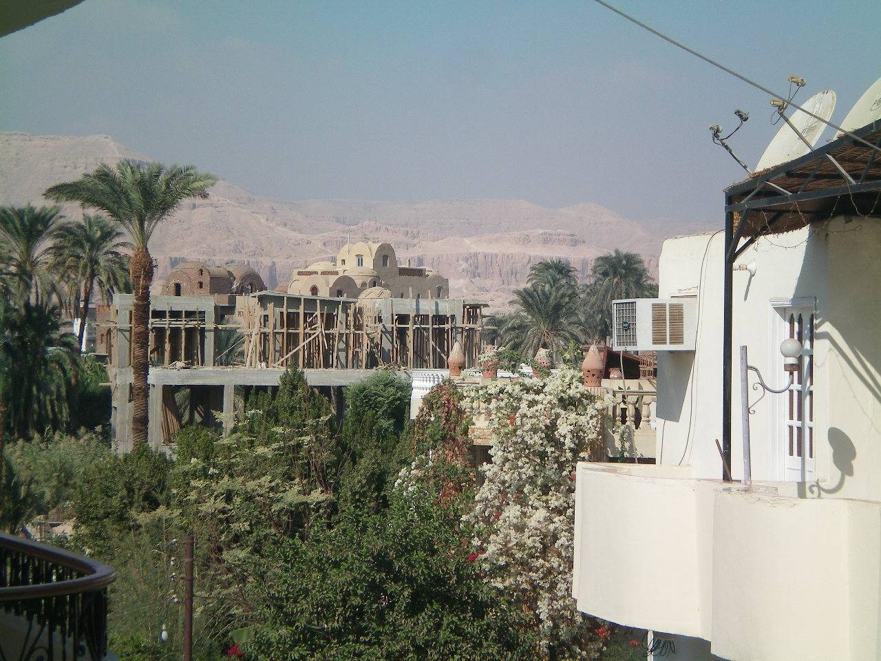 Views to Queen Hatshepsut