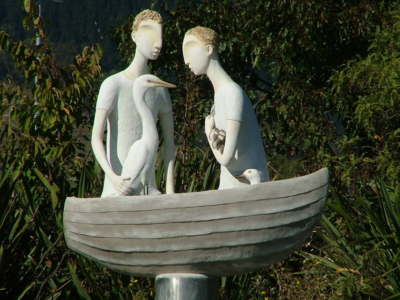 Sculpture in Orphanage creek