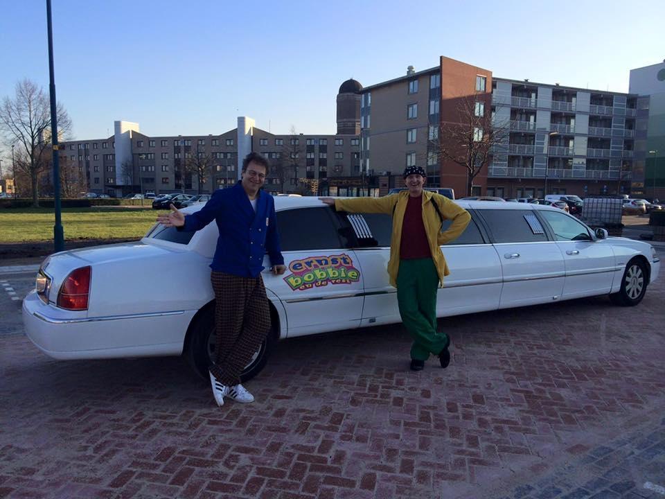 Ernst en Bobbie op pad voor jumbo met onze limo