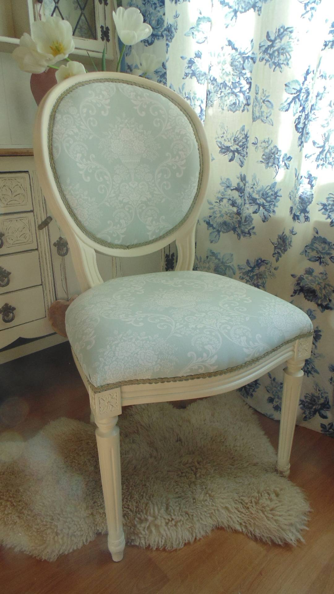 Frech Louis Stle Chair in Pale Green Fabric