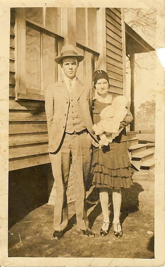 HL Raburn and Margaret Ainsley Raburn with HL Jr 1929