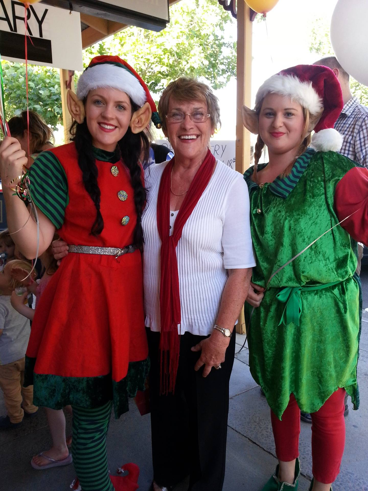 Pat and the cheeky elves