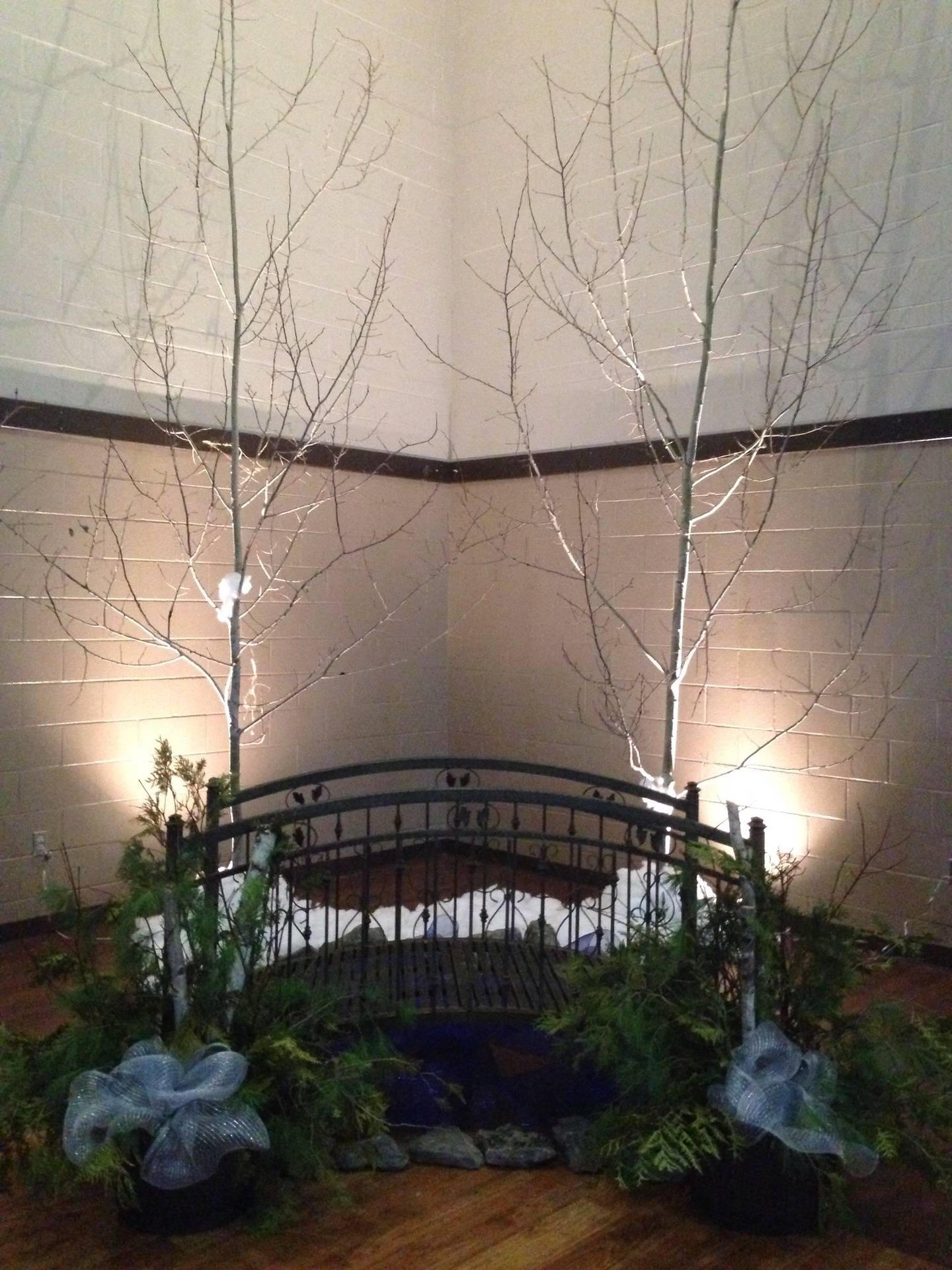 Picture Perfect bridge theme with Trees