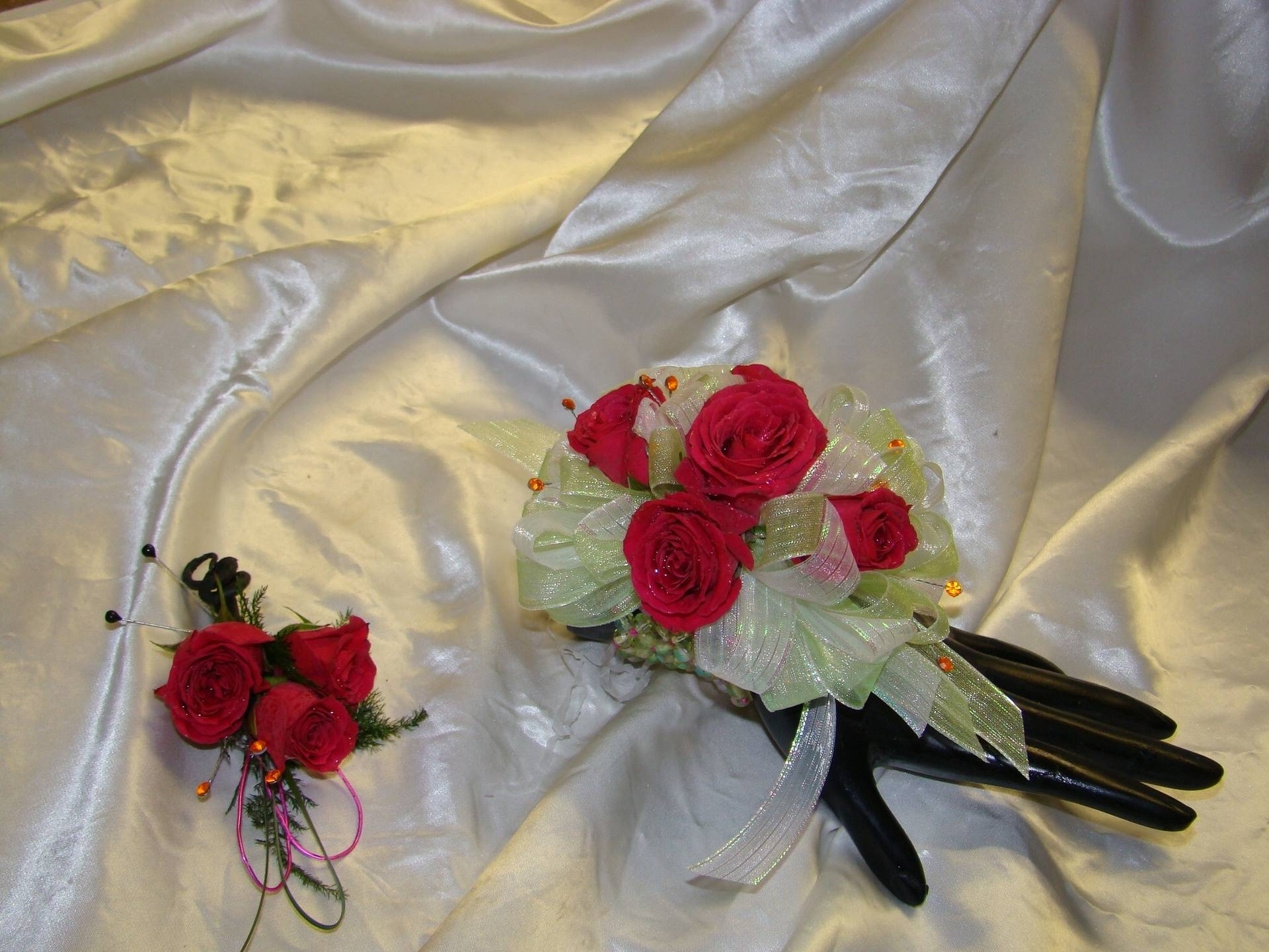 Wrist Corsage and Boutoniere
