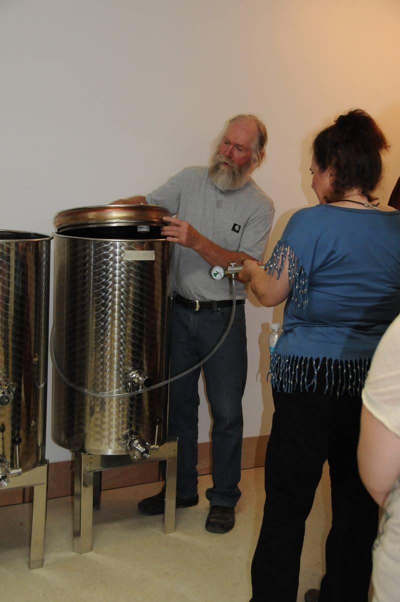 Bob demonstrating floating lids