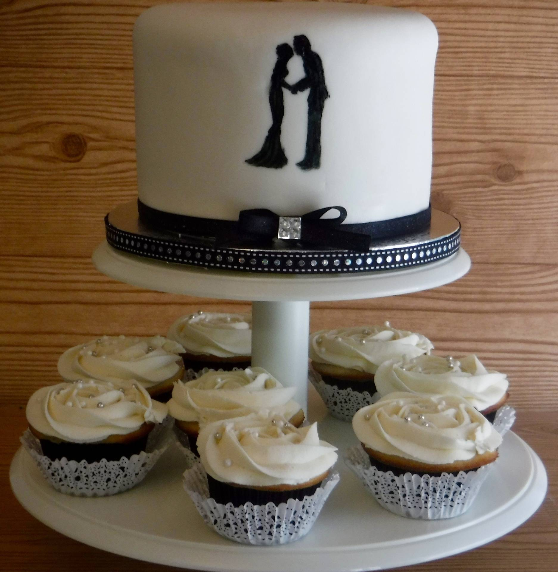 Personal Wedding cake & 1 dz cupcakes