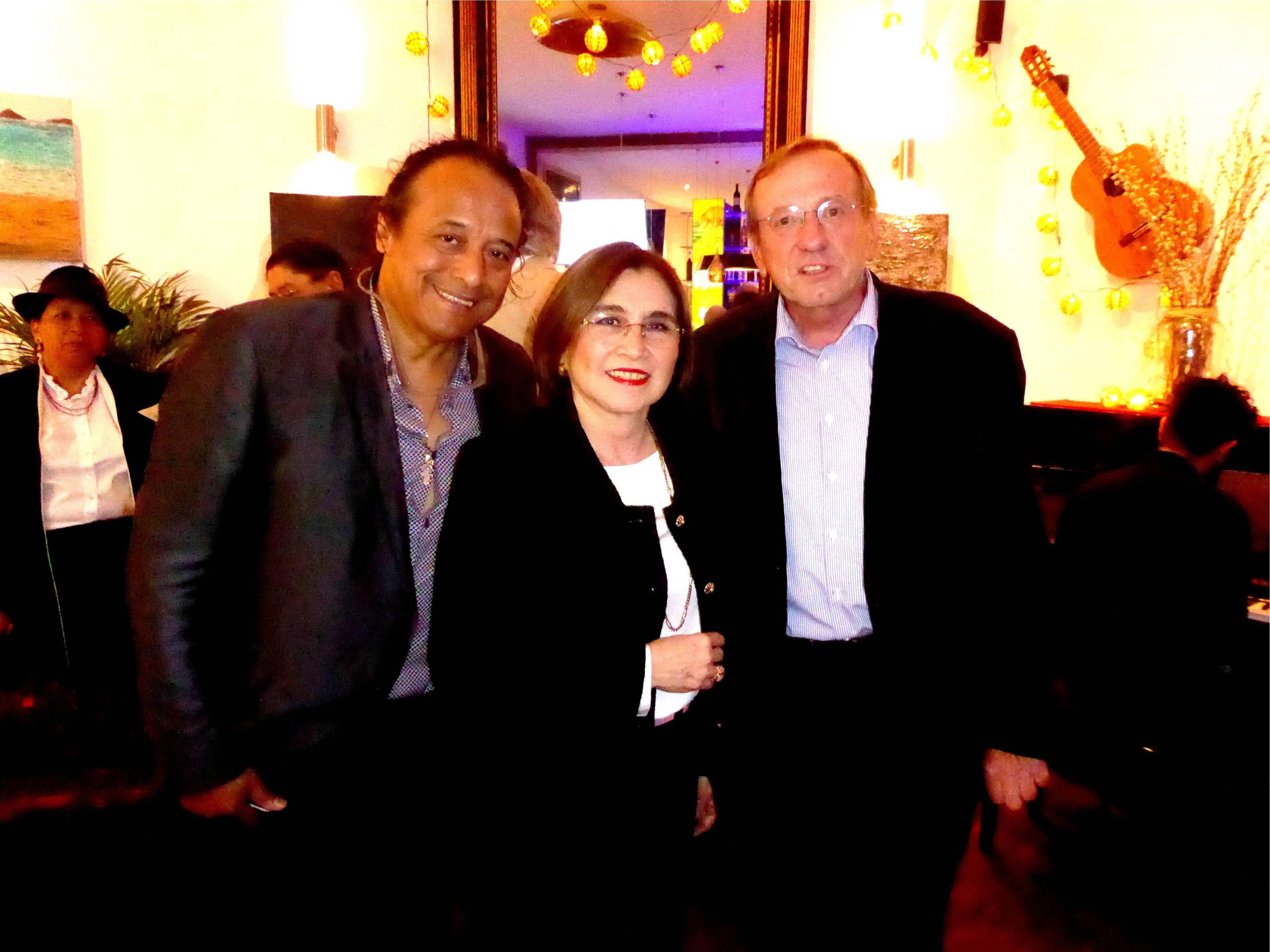 Botschafterin von Ecuador Fr. Dr. Gonzalez Cabal mit  Gerhard Knolmayer  und Hernán Toledo