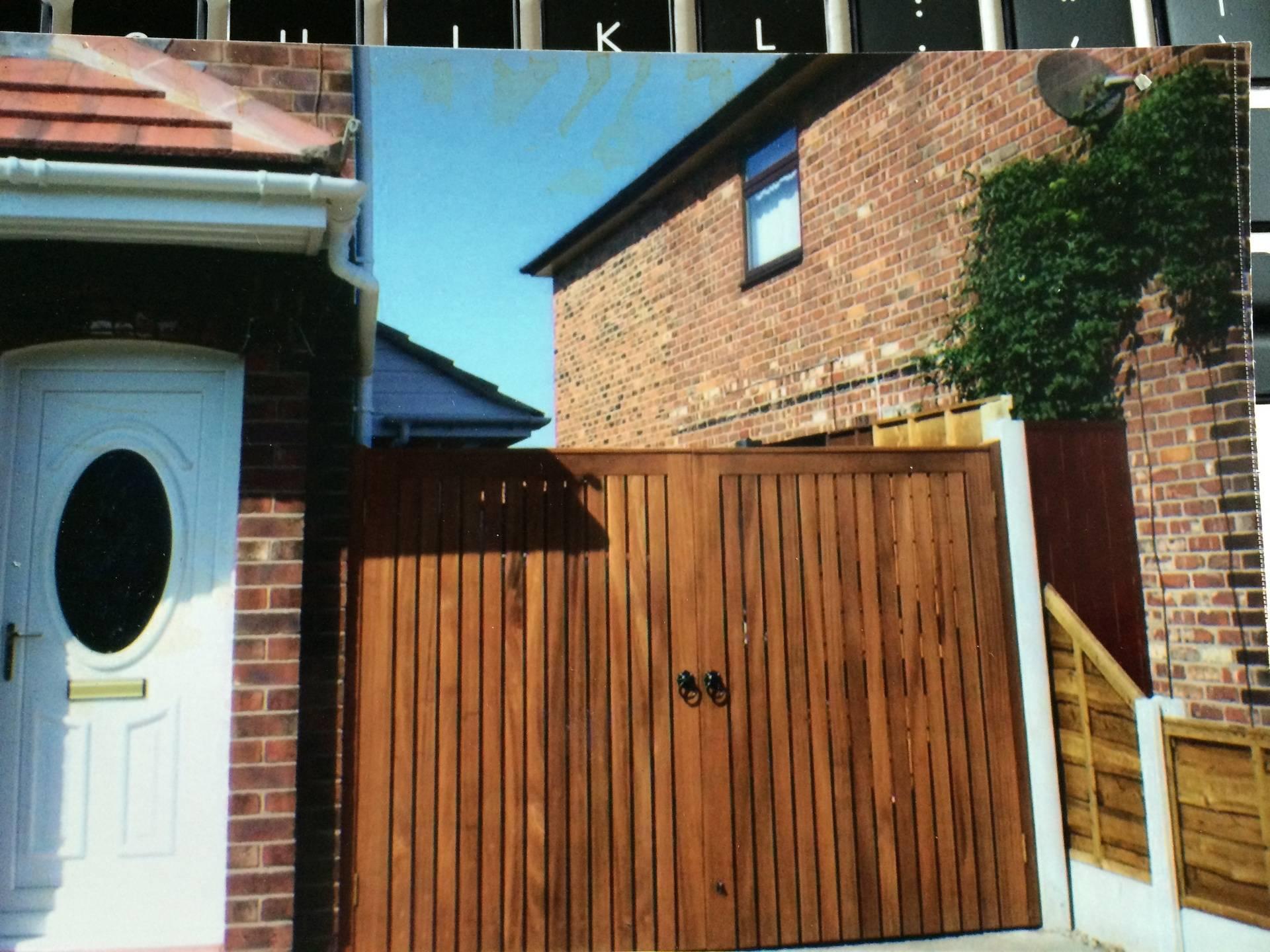 Hardwood Gates - Straight Topped