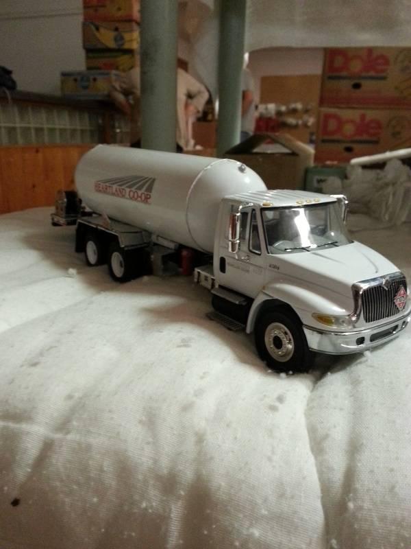 tandem axle truck