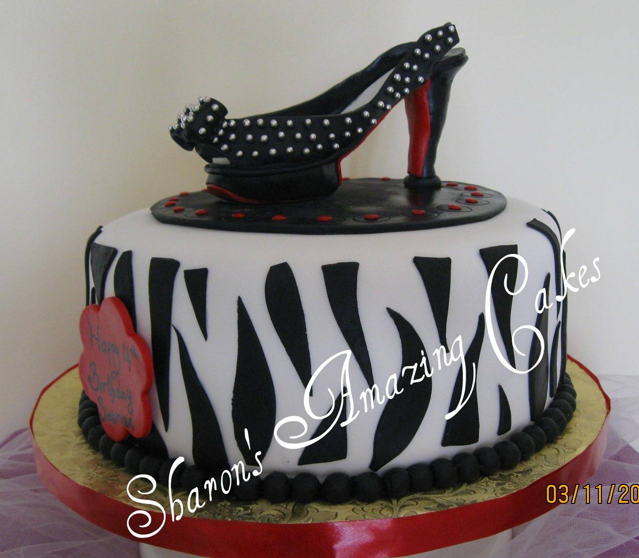 CAKE 36A1 -Louis Vuitton Shoe Cake 2