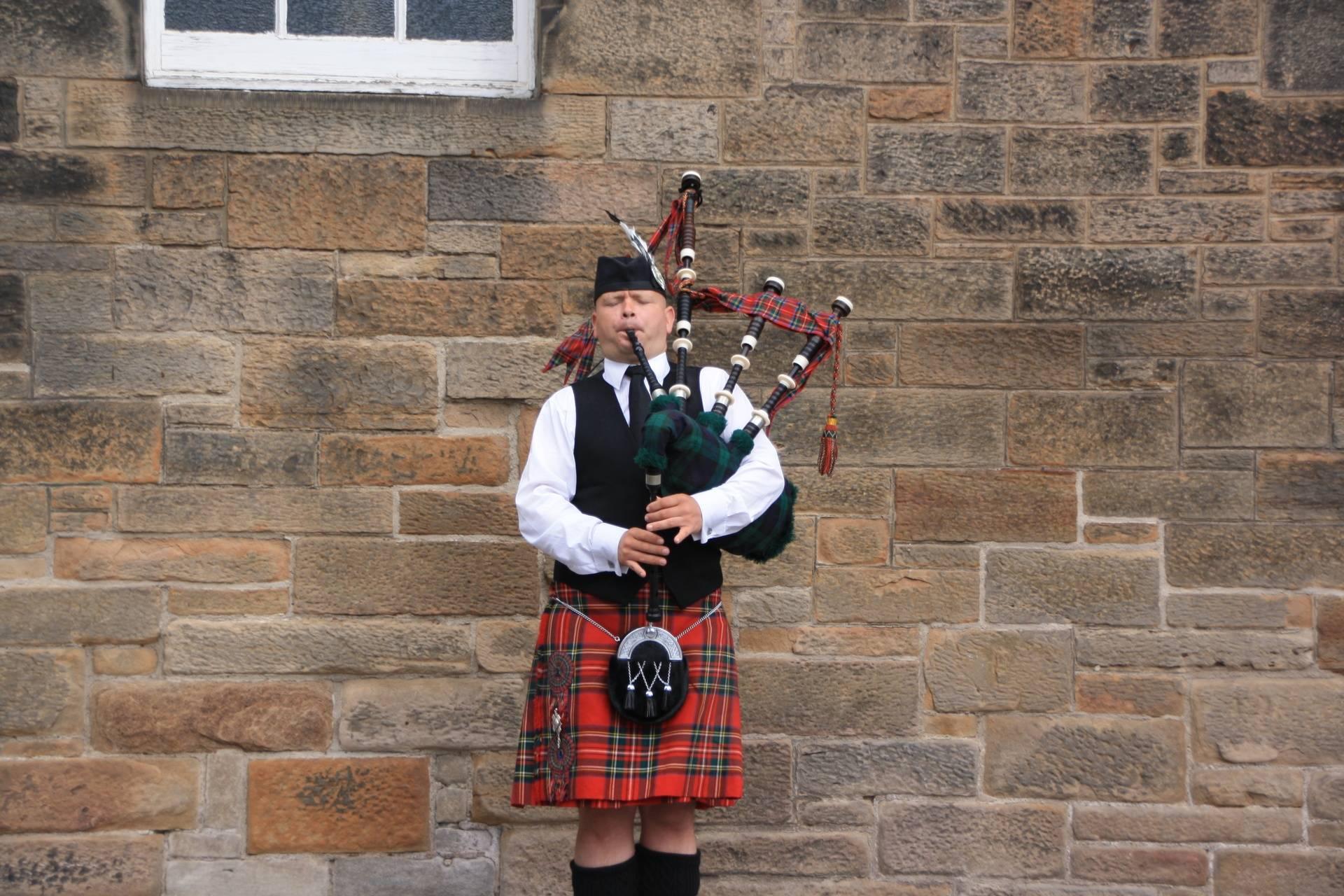 Bagpipes at Edinburgh Castle