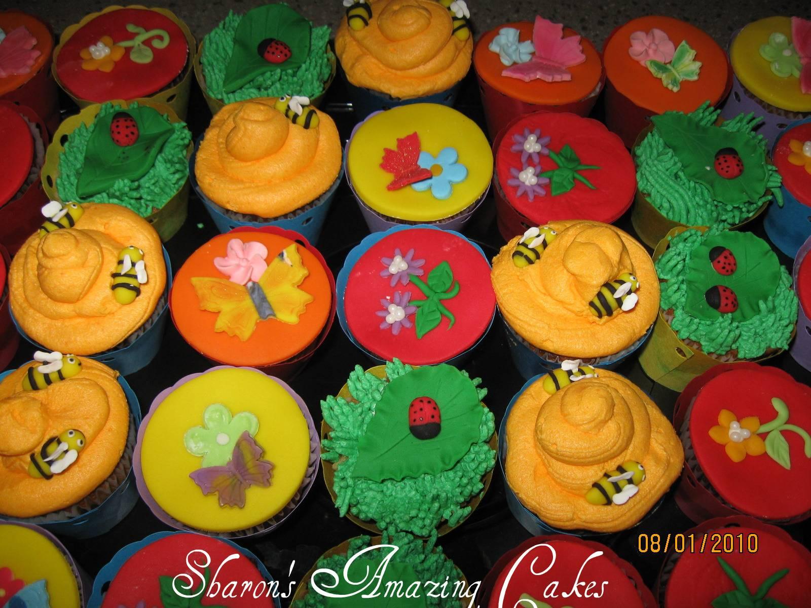 CC14 -Garden-themed Cupcakes