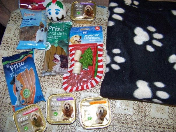 30 Nov 09 - Many thanks to lynsey Keetley for the lovely xmas parcel for the dogs.xxx