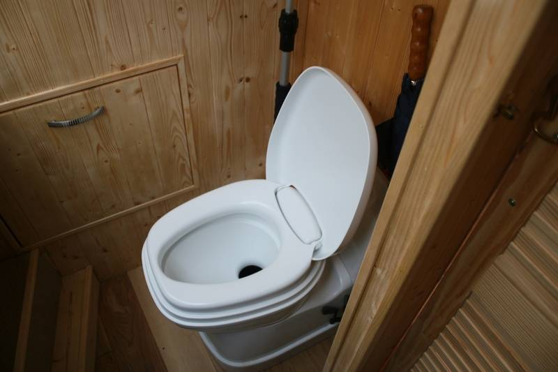 Cassette toilet installation
