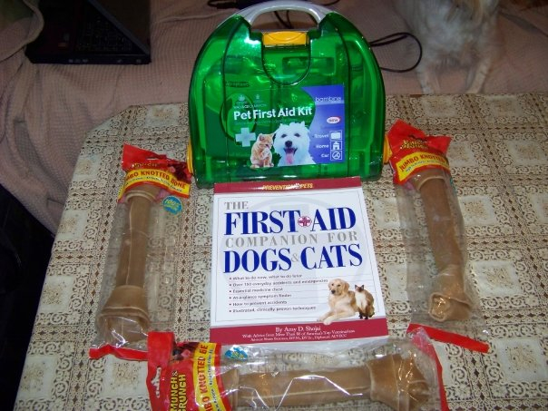 30 Nov 09 - Thank you to Anita for the fantastic book and first aid kit and to Julie lewis for the dog chews.xxx