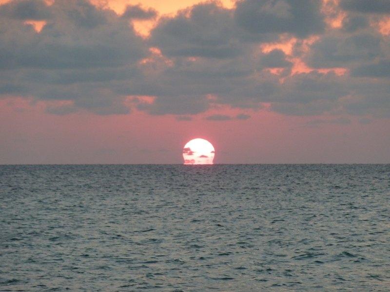 Sunset in Matt Lowes Cay