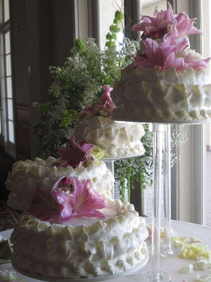 A Five Tiered Cake!