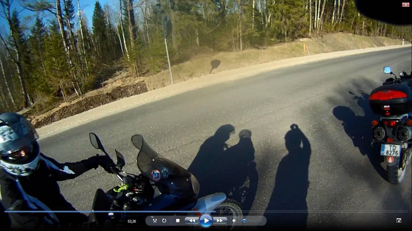 Divi motociklisti
