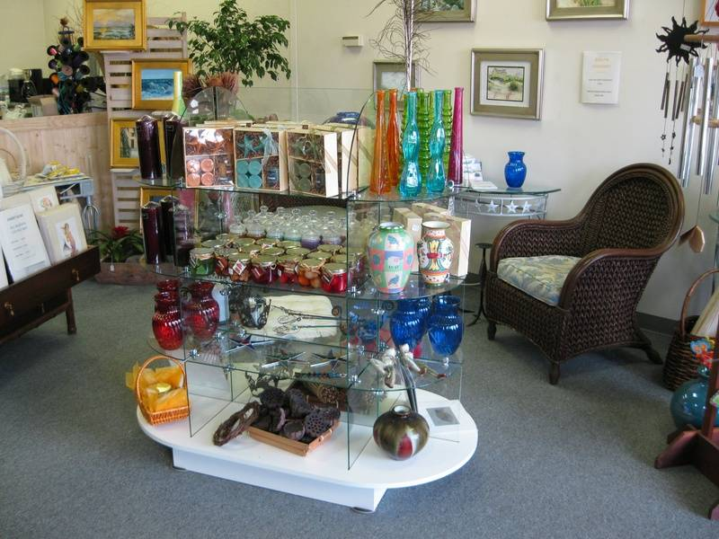 Candles, vases, and gifts